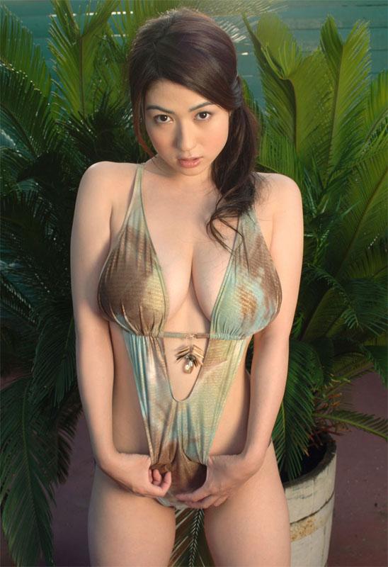 big-boobs-japanese-idols