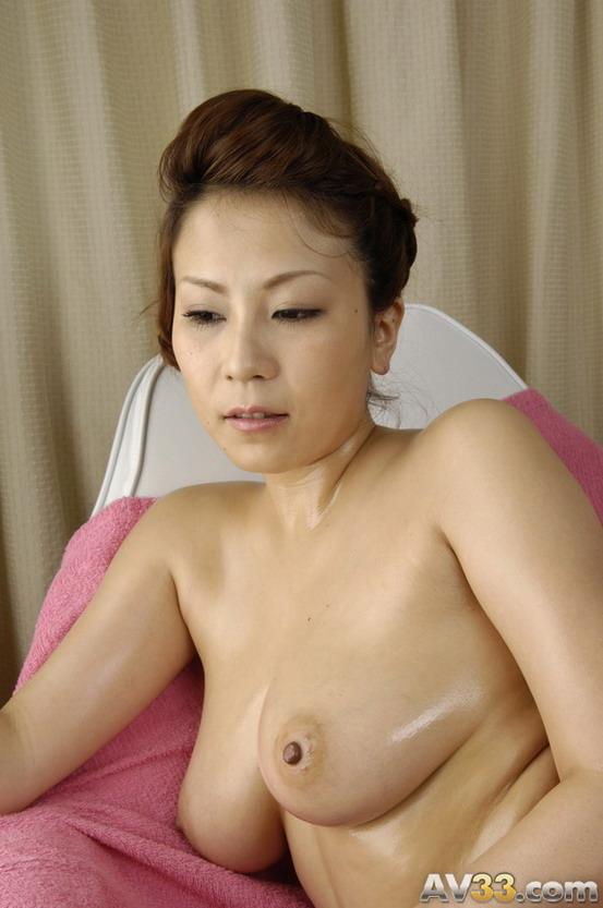 japanese naked models posing