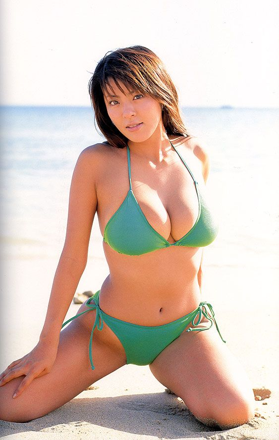 Sexy Japanese Girls and Hot Asian Babes
