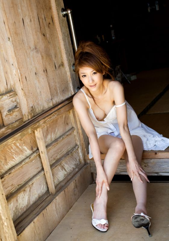 Japanese actress naked pic