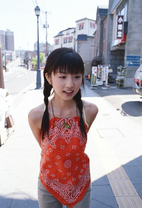 Japanese teen bikini model