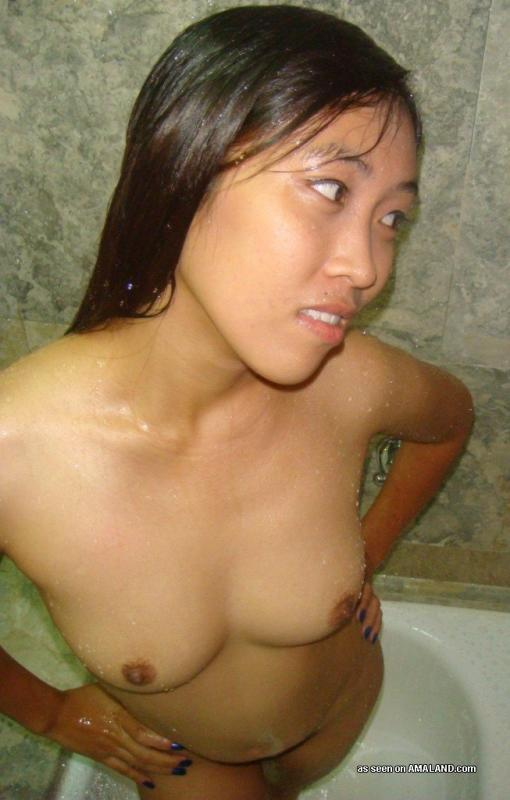 naked black girl laying in bed