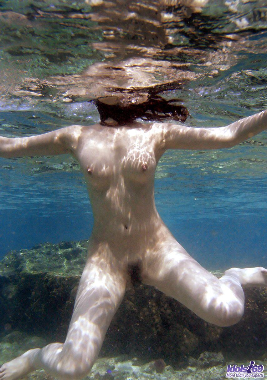 Free underwater porn babes pics — 8