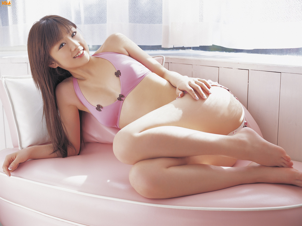 Asian pussy in pain — photo 15