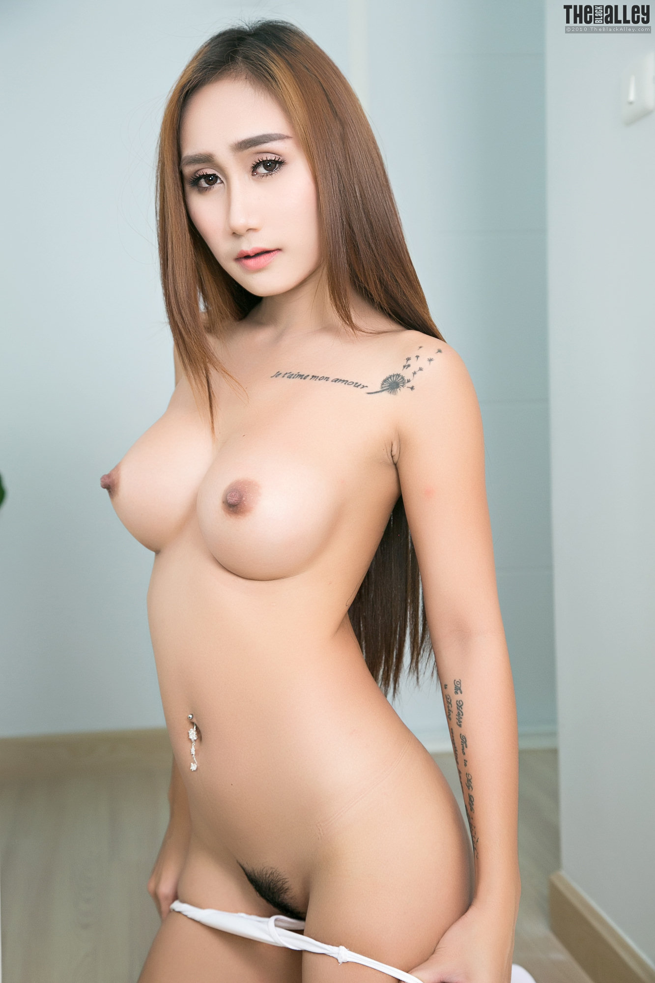 Naked her hannah and