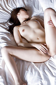 Honami Isshiki naked and rubbing pussy