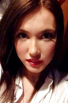 Maria Ozawa selfie pics with girlfriends