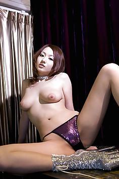 Reon Otowa in sexy lingerie