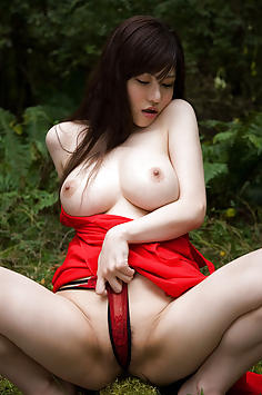 Anri Okita nude outdoors