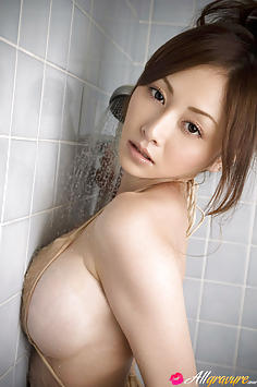 Anri Sugihara Japanese av idol showering in her bra and panties