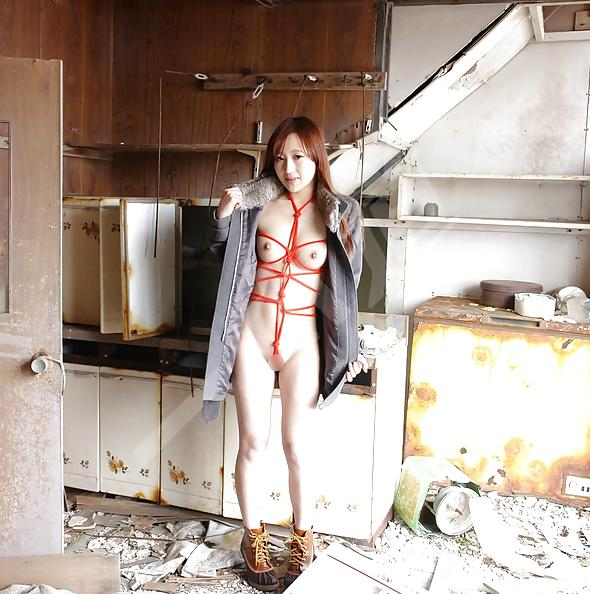 Miyuka Ito tied up and nude outside